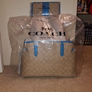 Coach drawstring carryall with matching wallet set